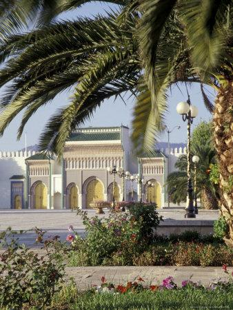 https://imgc.allpostersimages.com/img/posters/king-s-royal-palace-viewed-through-palm-tree-fes-morocco_u-L-P5875G0.jpg?p=0