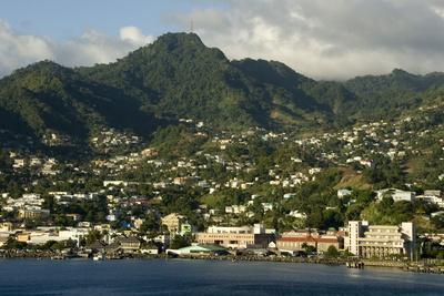 https://imgc.allpostersimages.com/img/posters/kingstown-st-vincent-windward-islands-west-indies-caribbean-central-america_u-L-PQ8OSN0.jpg?artPerspective=n
