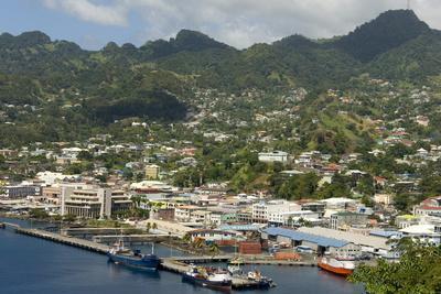 https://imgc.allpostersimages.com/img/posters/kingstown-st-vincent-windward-islands-west-indies-caribbean-central-america_u-L-PQ8OSZ0.jpg?artPerspective=n