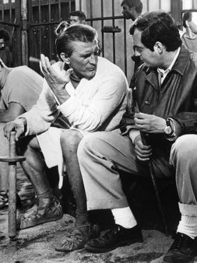 Kirk Douglas and le realisateur Stanley Kubrick sur le tournage du film Spartacus by Stanley Kubrik