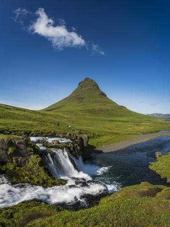 https://imgc.allpostersimages.com/img/posters/kirkjufellsfoss-waterfalls-and-mt-kirkjufell-grundarfjordur-on-snaefellsnes-peninsula-iceland_u-L-PZSA000.jpg?artPerspective=n