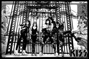 KISS - At the Gate of Buckingham Palace