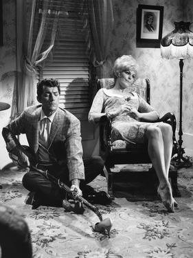 KISS ME STUPID, 1964 directed by BIILY WILDER Dean Martin and Kim Novak (b/w photo)