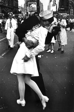 Kissing On VJ Day (War's End Kiss) Plastic Sign