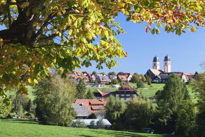 https://imgc.allpostersimages.com/img/posters/klosterkiche-church-in-autumn-st-margen-black-forest-baden-wurttemberg-germany-europe_u-L-PQ8T3N0.jpg?p=0