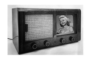 Historischer Fernsehapparat, 1939 by Knorr & Hirth