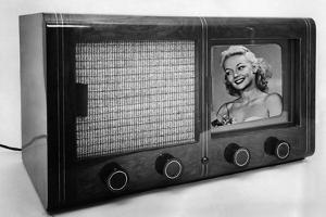 Historic Television Set, 1939 by Knorr Hirth Süddeutsche Zeitung Photo