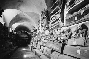 The Capuchin Catacombs of Palermo (Le Catacombe Dei Capuccini) by Knorr Hirth Süddeutsche Zeitung Photo