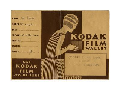 https://imgc.allpostersimages.com/img/posters/kodak-film-wallet-for-photographs-and-negatives-1939_u-L-PS74X90.jpg?artPerspective=n