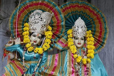 https://imgc.allpostersimages.com/img/posters/krishna-and-radha-murthis-statues-in-a-delhi-hindu-temple-delhi-india_u-L-Q1GYJMP0.jpg?artPerspective=n