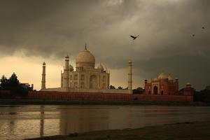 Taj Mahal by Krishnendu Chatterjee