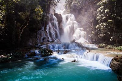 https://imgc.allpostersimages.com/img/posters/kuang-si-waterfall-luang-prabang-laos_u-L-Q105K460.jpg?artPerspective=n