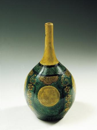https://imgc.allpostersimages.com/img/posters/kutani-bottle-shaped-vase-in-porcelain-and-enamel_u-L-POPA7O0.jpg?p=0