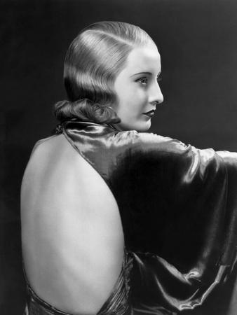 https://imgc.allpostersimages.com/img/posters/l-actrice-americaine-barbara-stanwyck-1907-1990-dans-les-annees-30-in-the-30-s-b-w-photo_u-L-Q1C2MZH0.jpg?artPerspective=n
