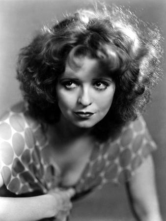 https://imgc.allpostersimages.com/img/posters/l-actrice-americaine-clara-bow-1905-1965-b-w-photo_u-L-Q1C2B6M0.jpg?p=0