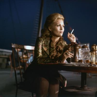 https://imgc.allpostersimages.com/img/posters/l-affaire-thomas-crown-the-thomas-crown-affair-by-normanjewison-with-faye-dunaway-1968-photo_u-L-Q1C2HTC0.jpg?artPerspective=n