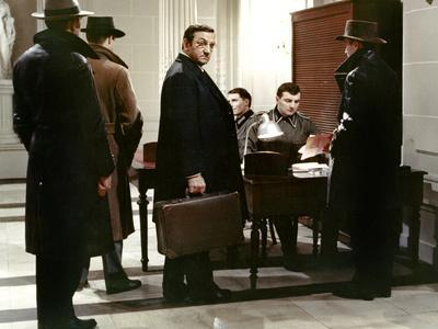 https://imgc.allpostersimages.com/img/posters/l-armee-des-ombres-by-jeanpierremelville-with-lino-ventura-1969-d-apres-josephkessel-photo_u-L-Q1C263E0.jpg?artPerspective=n