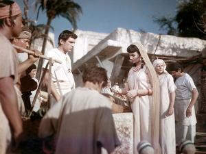 L'egyptien (THE EGYPTIAN) by Michael Curtiz with Edmund Purdom and Jean Simmons, 1954 (photo)