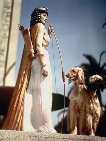 https://imgc.allpostersimages.com/img/posters/l-egyptien-the-egyptian-by-michael-curtiz-with-gene-tierney-1954-photo_u-L-Q1C2WR30.jpg?artPerspective=n