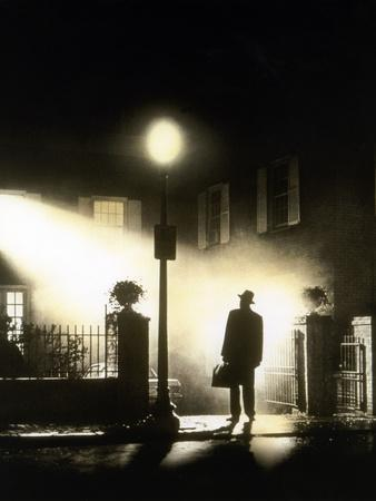 https://imgc.allpostersimages.com/img/posters/l-exorciste-the-exorcist-by-william-friedkin-with-max-von-sydow-1973-photo_u-L-Q1C2VB60.jpg?artPerspective=n