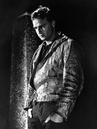 https://imgc.allpostersimages.com/img/posters/l-homme-a-la-peau-by-serpent-the-fugitive-kind-by-sidney-lumet-with-marlon-brando-1959-b-w-photo_u-L-Q1C29CF0.jpg?artPerspective=n