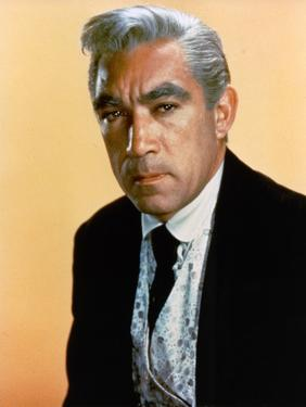 L'Homme aux colts d'or WARLOCK by EdwardDmytryk with Anthony Quinn, 1959 (photo)