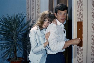 https://imgc.allpostersimages.com/img/posters/l-homme-by-rio-by-philippedebroca-with-francoise-dorleac-and-jean-paul-belmondo-1964-photo_u-L-Q1C2OAQ0.jpg?artPerspective=n