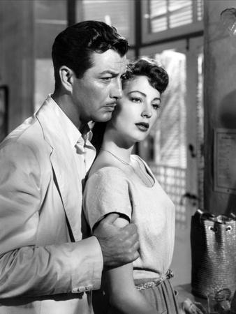 https://imgc.allpostersimages.com/img/posters/l-ile-au-complot-the-bribe-by-robertleonard-with-ava-gardner-and-robert-taylor-1949-b-w-photo_u-L-Q1C1K0L0.jpg?artPerspective=n