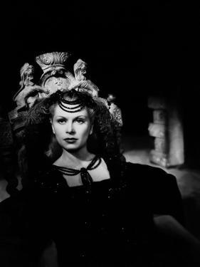 La Belle and la Bete BEAUTY AND THE BEAST by Jean Cocteau with Josette Day, 1946 (b/w photo)