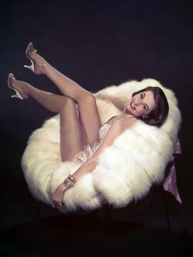 La Belle by Moscou SILK STOCKINGS by RoubenMamoulian with Cyd Charisse, 1957 (photo)