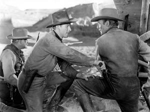 La Caravane heroique (Virginia City) by MichaelCurtiz with Errol Flynn and Randolph Scott, 1940 (b/