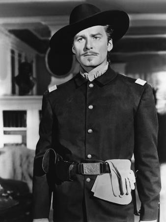 https://imgc.allpostersimages.com/img/posters/la-charge-fantastique-they-died-with-their-boots-on-by-raoul-walsh-with-errol-flynn-1941-b-w-phot_u-L-Q1C2Z8U0.jpg?artPerspective=n