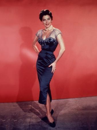 https://imgc.allpostersimages.com/img/posters/la-comtesse-aux-pieds-nus-the-barefoot-contessa-by-joseph-l-mankiewicz-with-ava-gardner-1954-pho_u-L-Q1C1PUQ0.jpg?artPerspective=n