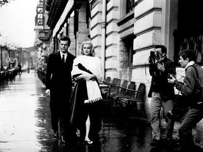 https://imgc.allpostersimages.com/img/posters/la-dolce-vita-marcello-mastroianni-anita-ekberg-1960_u-L-PH4OMB0.jpg?p=0