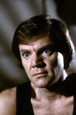 La feline CAT PEOPLE by Paul Schrader with MALCOLM MCDOWELL, 1982 (photo)