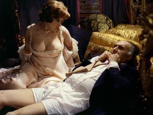 LA GRANDE BOUFFE, 1973 directed by MARCO FERRERI Andrea Ferreol and Michel Piccoli (photo)
