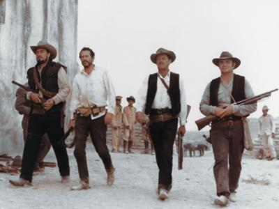 La Horde Sauvage THE WILD BUNCH by Sam Peckinpah with Ben Johnson, Warren Oates, William Holden and