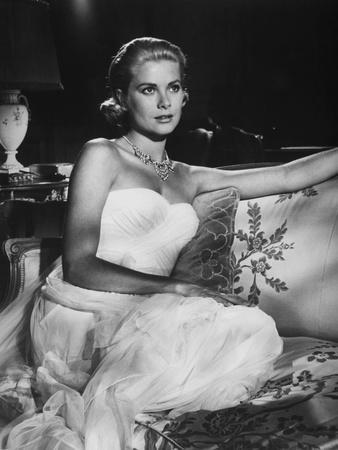 https://imgc.allpostersimages.com/img/posters/la-main-au-collet-to-catch-a-thief-by-alfredhitchcock-with-grace-kelly-1955-b-w-photo_u-L-Q1C2JKO0.jpg?artPerspective=n