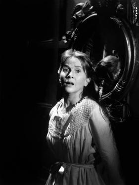 La Maison du Diable THE HAUNTING by RobertWise with Julie Harris, 1963 (b/w photo)