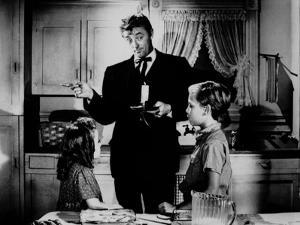 La nuit du Chasseur THE NIGHT OF THE HUNTER by CharlesLaughton with Sally Jane Bruce, Robert Mitchu