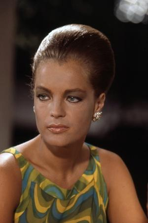 https://imgc.allpostersimages.com/img/posters/la-piscine-by-jacques-deray-with-romy-schneider-1969-photo_u-L-Q1C3P250.jpg?artPerspective=n