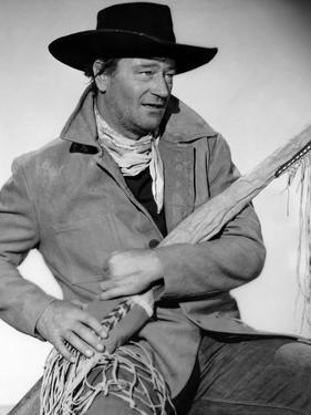La Prisonniere du Desert THE SEARCHERS by JohnFord with John Wayne, 1956 (b/w photo)