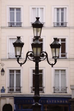 https://imgc.allpostersimages.com/img/posters/la-scene-de-rue_u-L-F7N6KA0.jpg?p=0