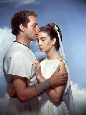 La tunique THE ROBE by HenryKoster with Richard Burton and Jean Simmons, 1953 (photo)