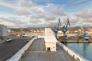 Port of Civitavecchia by lachris77