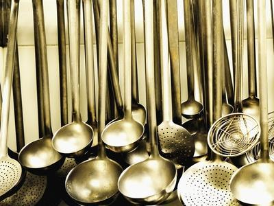 https://imgc.allpostersimages.com/img/posters/ladles-and-strainer-spoons-in-a-large-kitchen_u-L-Q10SHAP0.jpg?artPerspective=n