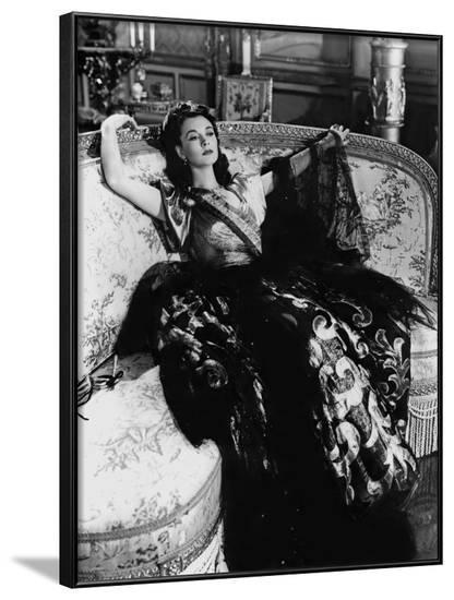 Lady Hamilton by Alexander Korda with Vivien Leigh, 1941 (b/w photo)--Framed Photo
