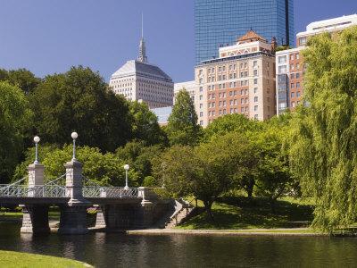 https://imgc.allpostersimages.com/img/posters/lagoon-bridge-in-the-public-garden-boston-massachusetts-new-england-usa_u-L-P1K2QK0.jpg?artPerspective=n