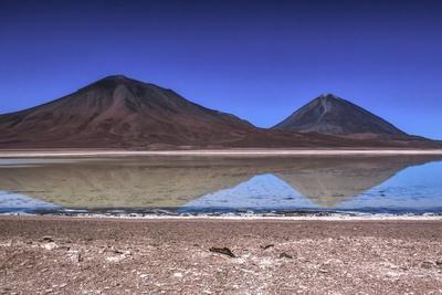 https://imgc.allpostersimages.com/img/posters/laguna-blanca-atacama-desert-bolivia_u-L-Q10VF690.jpg?p=0