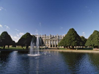 https://imgc.allpostersimages.com/img/posters/lake-fountain-and-ornamental-trees-in-hampton-court-palace-grounds-near-london_u-L-P91LWV0.jpg?artPerspective=n